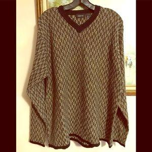 Men's sweater by Claiborne, size L.